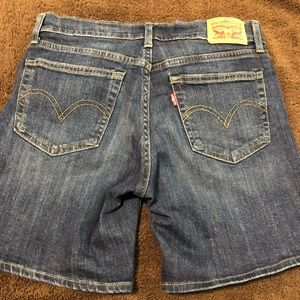 ❤️Levi's ladies denim short pant